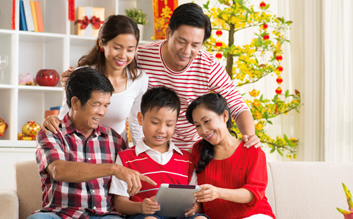 Teaching Skip fights about digital devices over the holidays — instead, let them bring your family together