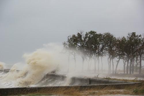 Teaching What Is a Hurricane Storm Surge?