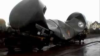 Teaching Railroad tank car vacuum implosion [video]
