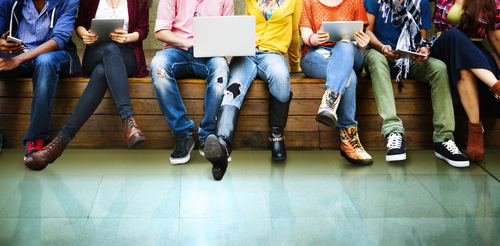A day in the digital life of teenagers