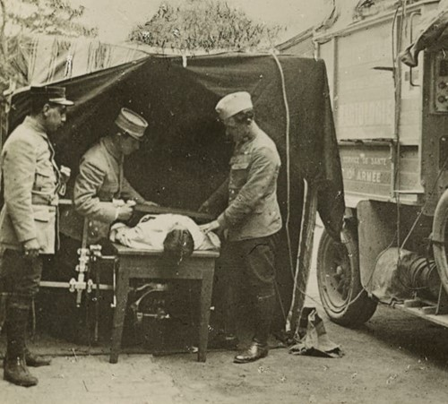 Teaching Marie Curie and her X-ray vehicles' contribution to World War I battlefield medicine