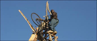 William Kamkwamba: How I harnessed the wind [video]