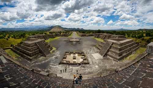Teaching Medieval American Civilizations: Teotihuacan and Tiahuanaco
