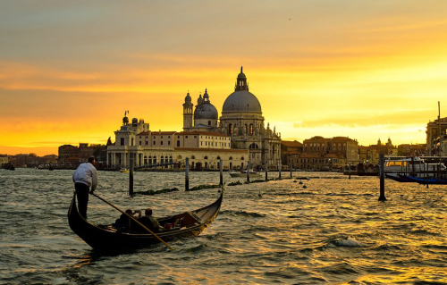 "Teaching Venice had its own ""Airbnb problem"" during the Renaissance - here's how it coped"