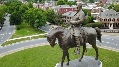 Teaching Robert E. Lee was not the George Washington of his time. But a lot ties them together