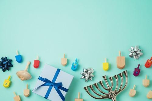 Teaching How Hanukkah came to America