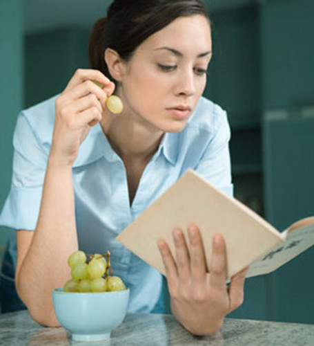 Eating While Reading